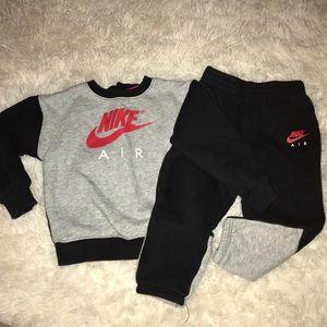 Boys Nike sweatsuit size 24m